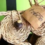 Acessórios feitos por artesãs de Feliz Deserto ganham mercado nacional