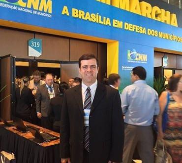 Maykon Beltrão participa da Marcha dos Prefeitos em Brasília e tenta destravar recursos para Feliz Deserto