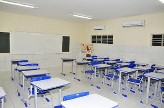 Escola climatizada motiva alunos a estudarem mais em Feliz Deserto