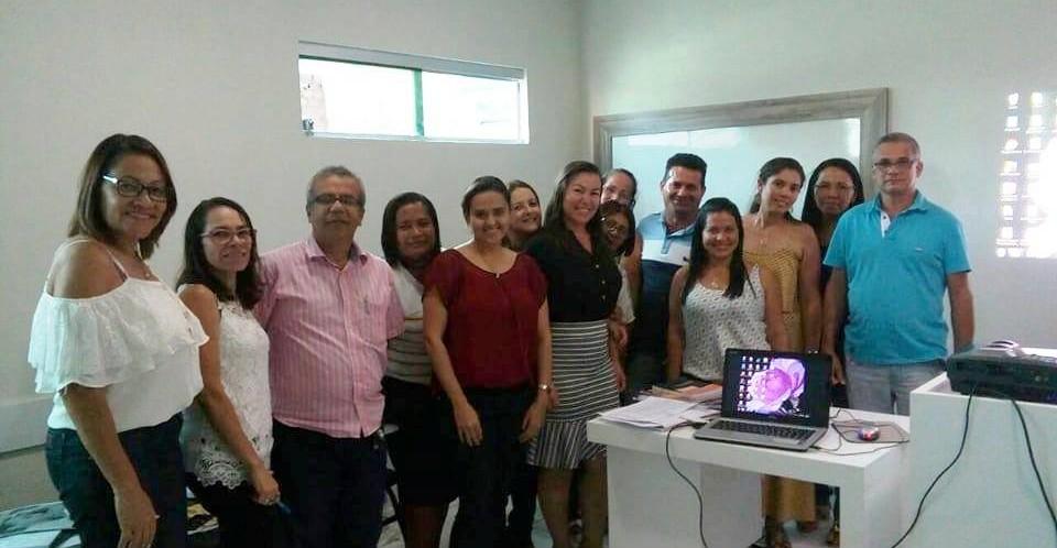 Equipe da Secretaria de Educação de Feliz Deserto participa de encontro em Arapiraca