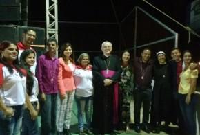 Prefeita participa de aniversário de 4 anos da Comunidade Católica Coração Misericordioso e doa prédio com terreno.