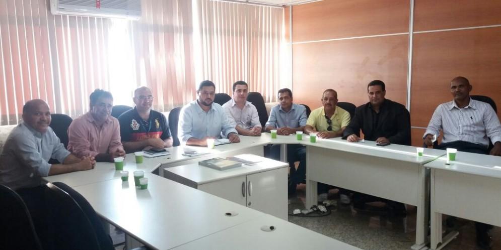 Vice prefeito acompanhado de Vereadores estiveram na Eletrobrás reivindicando melhorias nos serviços prestados a Feliz Deserto.
