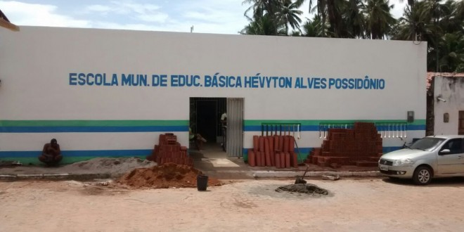 Escolas municipais estão sendo reformadas.