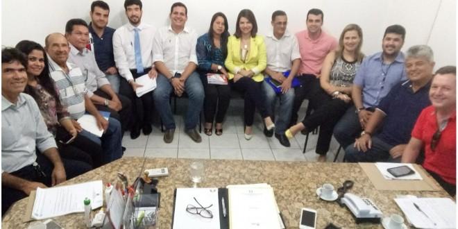 Prefeita Rosiana Beltrão realiza primeira reunião do ano com Secretários.